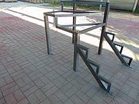 Лестница в дом, металлический каркас