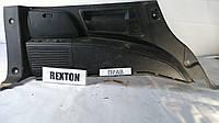 Накладка багажника правая Rexton II