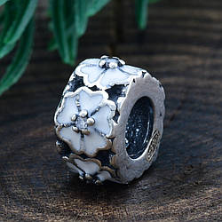 Срібний шарм квіточка розмір 9х5 мм вставка біла емаль вага 1.32 г