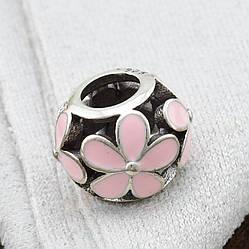 Срібний шарм Поляна маргариток розмір 10х8 мм вставка рожева емаль вага 1.57 г