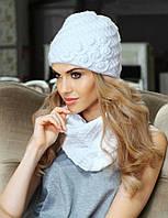 Стильный комплект из красивой шапочки и снуда Adela от Kamea. белый, 56-59