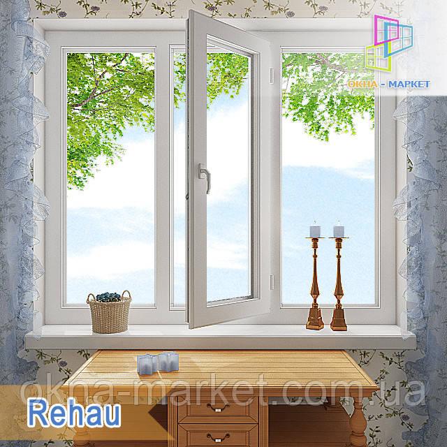 Трехстворчатое окно Rehau, центральная створка которого, поворотно-откидная, боковые глухие