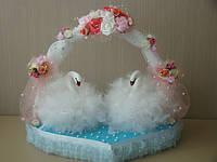 Декор или подарок ручной работы для влюбленных - лебеди на сердце