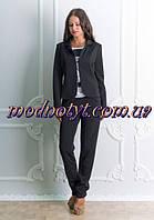 Женский деловой черный костюм