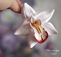 """Красивый подарок девушке на 8 марта, 14 февраля . Заколка """"Белая орхидея с росписью"""""""