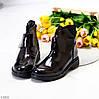 Лаковые глянцевые стильные черные женские ботинки на липучке низкий ход, фото 5