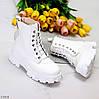 """Дизайнерські жіночі зимові білі черевики """"мартинсы"""" ззаду на блискавці + шнурівка, фото 8"""