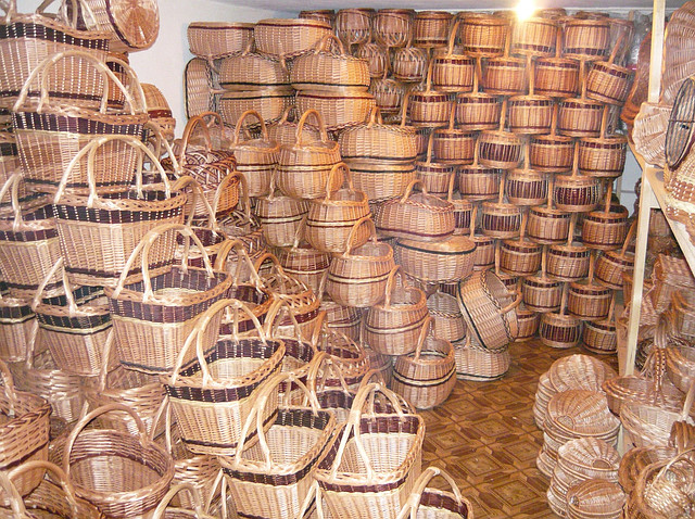 корзины из лозы, мебель из лозы, изделия из лозы