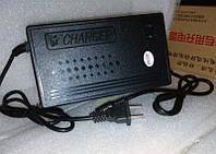 Автоматическое зарядное устройство 12.6v 4a  литиевых аккумуляторов