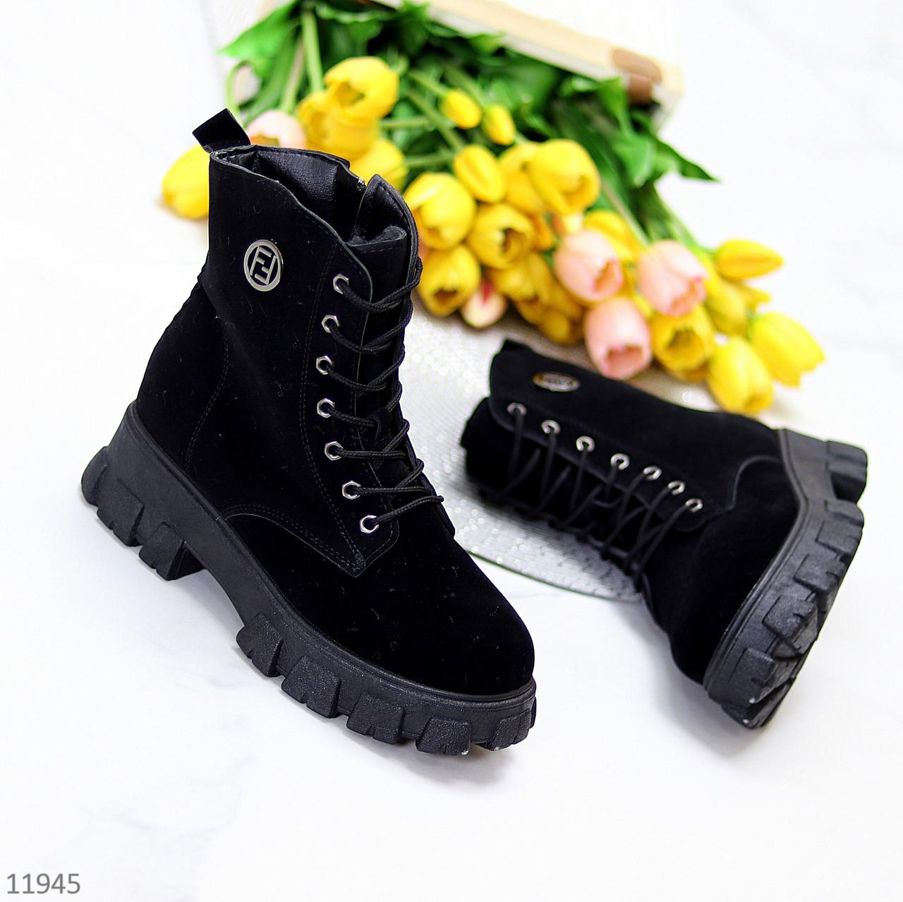 Повседневные черные замшевые женские зимние ботинки молния + шнуровка