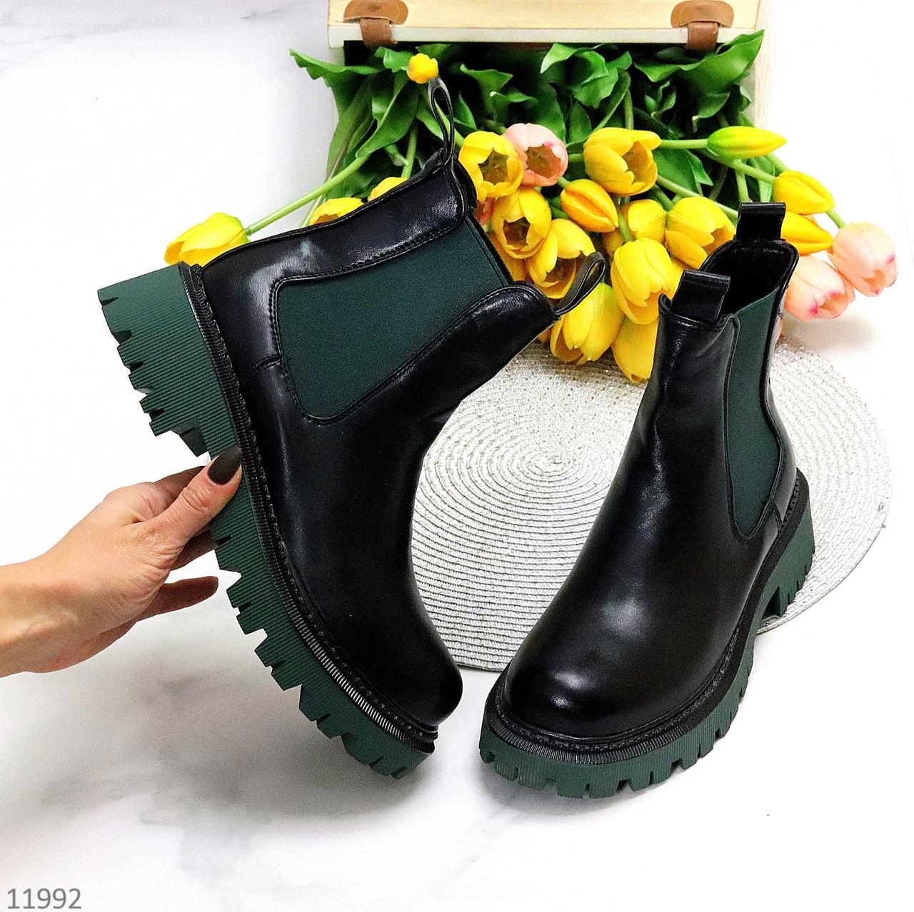 Чорні зелені хакі жіночі черевики челсі на флісі з еластичними вставками