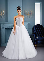Восхитительное свадебное платье с корсетом, полностью украшенным камнями и стразами, и пышной кукольной юбкой