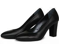 Черные кожаные туфли-лодочки на каблуке