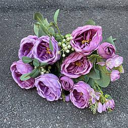 Букет розы Остин с бутонами и ягодами. сиреневая 46 см