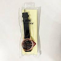 Стильные черные наручные часы женские. С блестящем ремешком. В чехле. SY-492 Модель 52627
