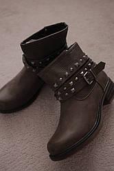 Женские ботинки ковбойки коричневые с ремешком на низком каблуке 39