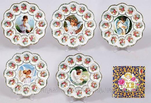 Тарелка для пасхи и пасхальных яиц