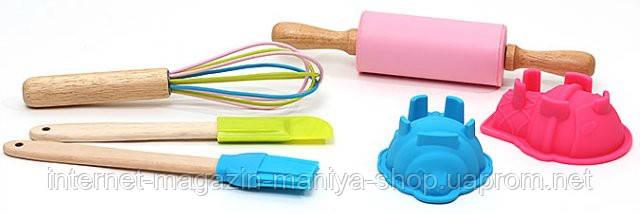 Детский набор для выпечки (6 предметов): 2шт мини-форм для выпечки; 1шт мини-скалка; 1шт мини-веничек 21см; 1шт мини-кисточка; 1шт мини-лопатка