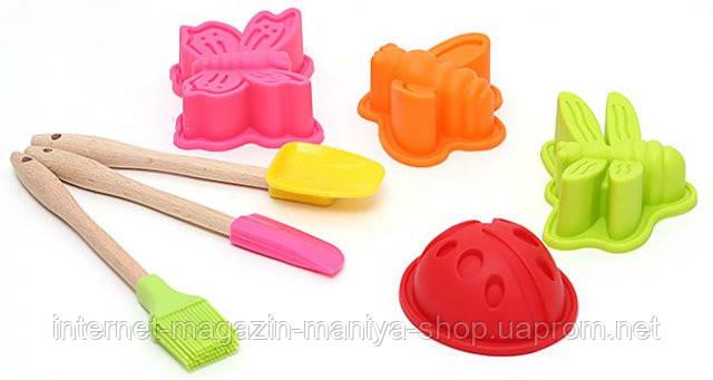 Детский набор для выпечки (7 предметов): 4шт мини-форм для выпечки; 1шт мини-ложка 17.2x3.7см; 1шт мини-лопатка 17.2x2.2см;1шт мини-кисточка 17.5x3cм