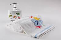 Мягкое хлопковое полотенце с объемной аппликацией- бабочкой 50x90 см цвет белый, фото 1