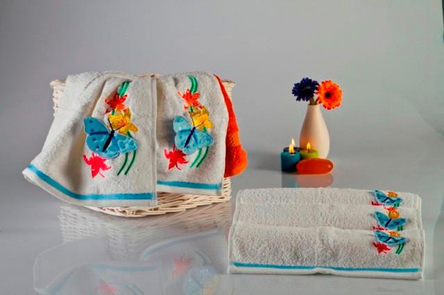 Мягкое хлопковое полотенце с объемной аппликацией- бабочкой 50x90 см цвет белый