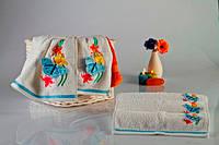 Мягкое хлопковое полотенце с объемной аппликацией- бабочкой 30x50 см цвет белый