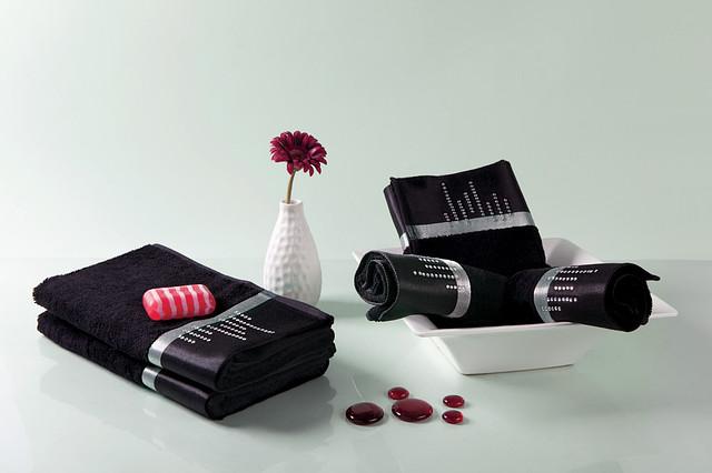 Бамбуковое полотенце со стразами 30x50 см цвет черный
