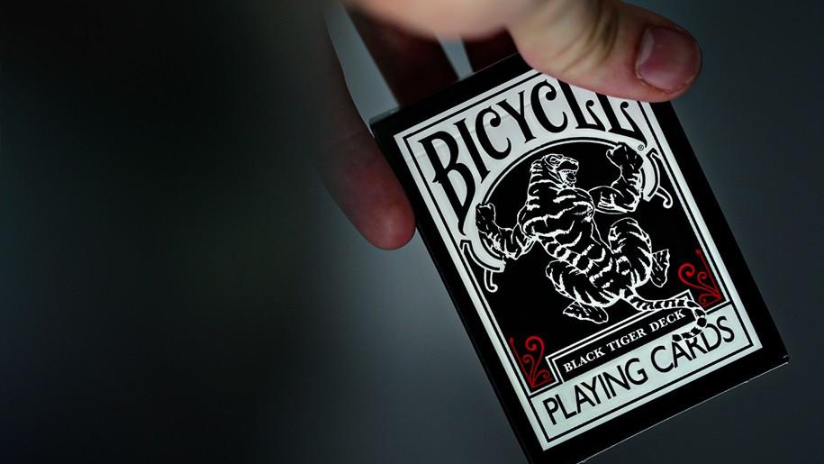 Карты игральные   Bicycle Black Tiger RED