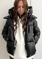 Жіноча зимова куртка з екошкіри на синтепухе