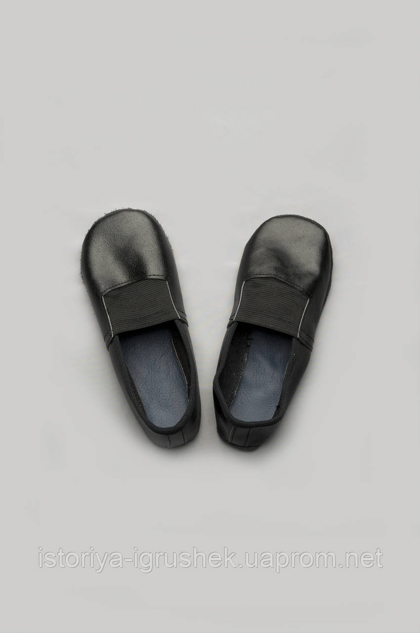Чешки кожаные черные
