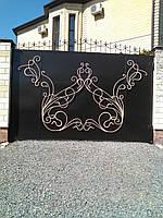 Распашные ворота с коваными завитками. Возможно с калиткой, столбами, доставкой и установкой.