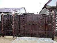 """Кованые ворота с калиткой и столбами с фонарями. Ручная ковка. Покраска качественной эмалью """"Снежка"""". Под ключ"""