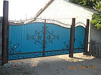 Ворота из профнастила с коваными узорами