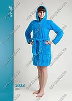 Женский короткий халат софт-махра голубой, на молнии, с карманами.