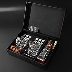 Камни для виски подарочный деревянный набор с бокалами и секцией для виски.