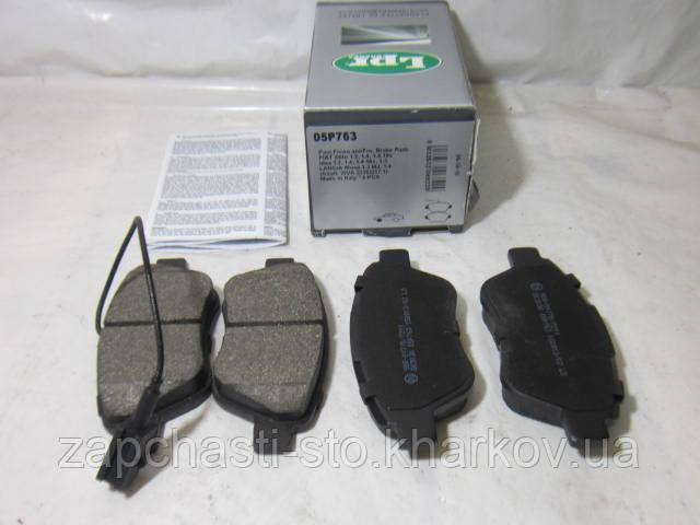 Тормозные колодки передние Fiat Doblo LPR