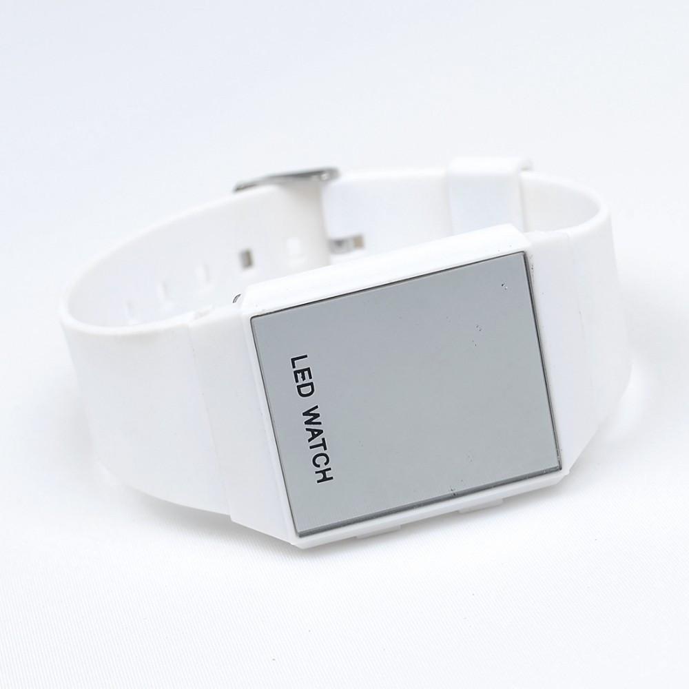 Світлодіодні годинник Mirall vit