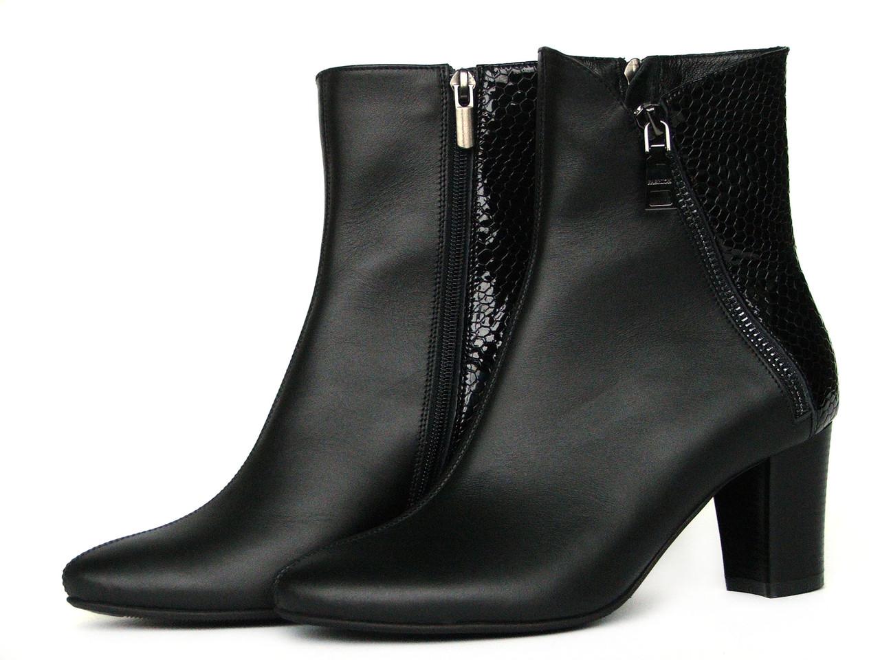 Черные высокие кожаные ботинки с косой молнией