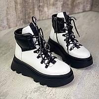 Жіночі зимові шкіряні черевики на шнурівці 36,37,39 р білий