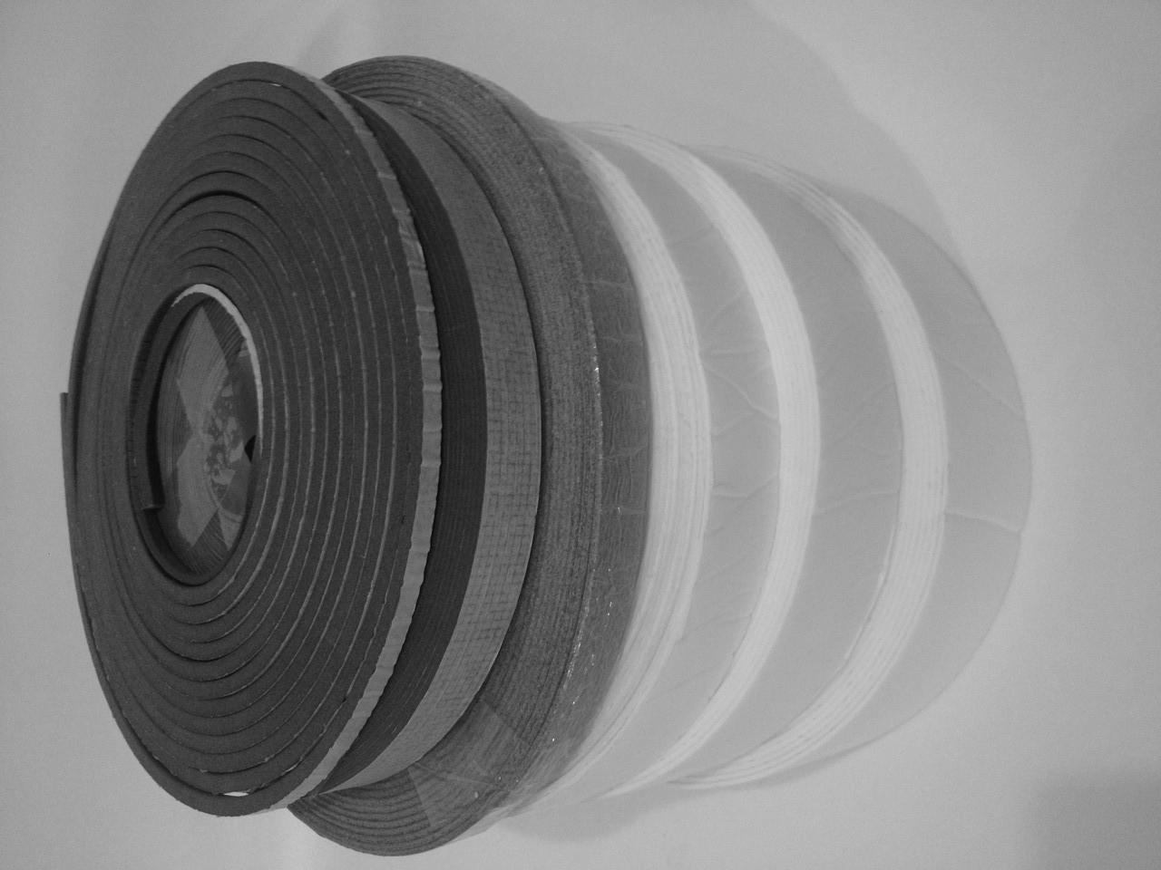 Звукоизоляционная самоклеющаяся лента ППЭ (Дихтунг) толщина 3 мм (90 мм*30 м)