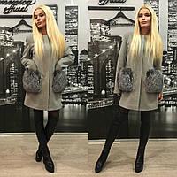 Кашемировое пальто с натуральным песцом на карманах, серый цвет