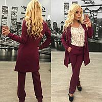 Стильный женский костюм-двойка: брюки и пиджак, бордовый цвет