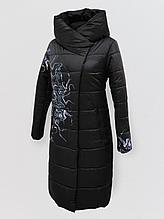 """Зимнее женское длинное пальто с принтом """"Каронс"""", чёрное"""
