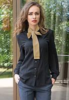 Черная женская блузка с бежевым галстуком