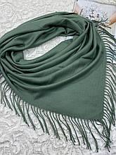 Женский кашемировый однотонный платок светло-зеленый с бахромой 100х95 см (цв.5)