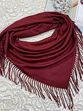 Женский кашемировый однотонный бордовый платок с бахромой 100х95 см (цв.6)