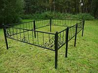 Кованая оградка с елементамы ковки