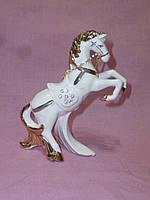 Фарфоровый конь 13 сантиметров высота