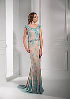 Шикарное вечернее платье с ювелирно утканным узором