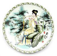 Тарелка настенная Девушка с флейтой